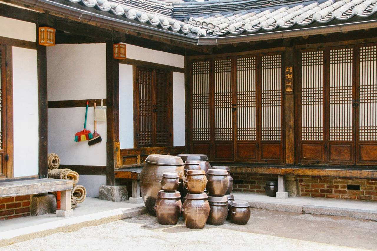 korea seoul traditional hanok bukchon