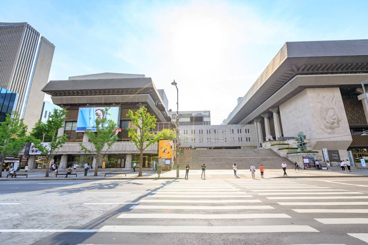 seoul southkorea gwanghwamun square sejong center for performing arts