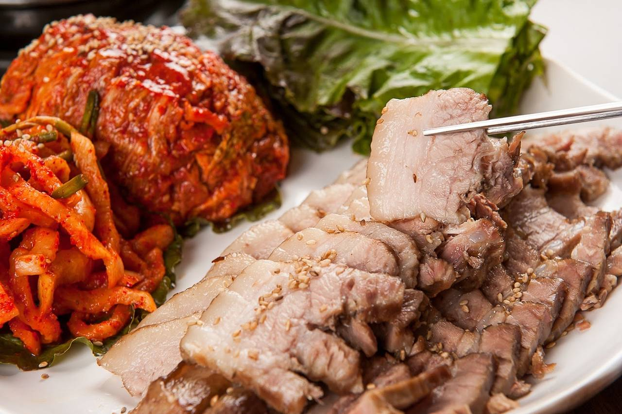 south korea seoul food traditional bossam pork kimchi