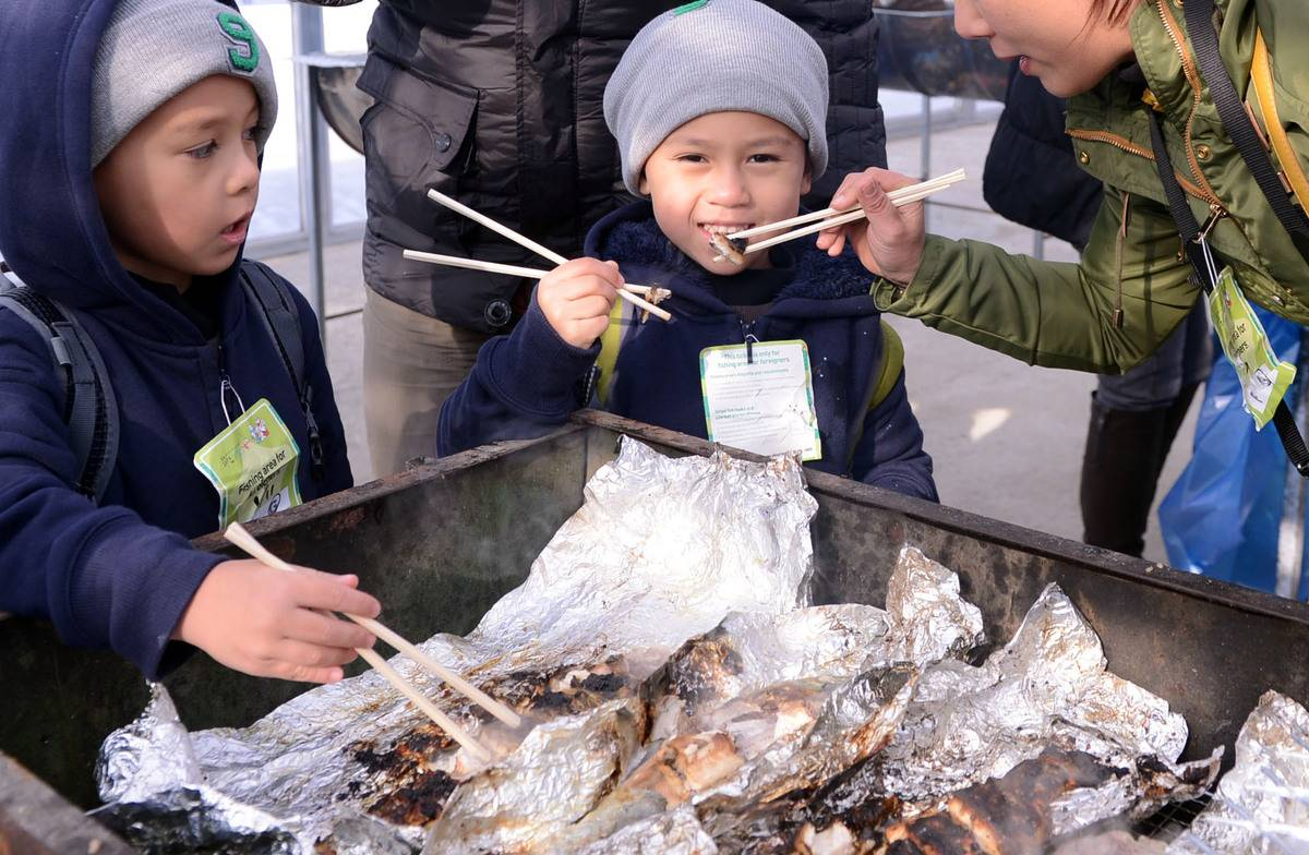Hwacheon Sancheoneo Ice Festival Korea fishing trout winter travel festival activity performance eats